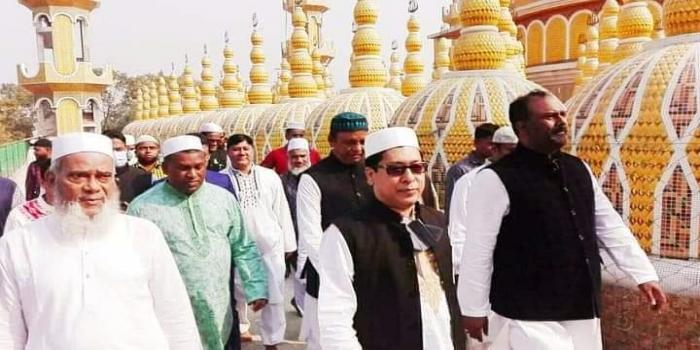 টাংগাইল গোপালপুরে ২০১ গম্বুজ মসজিদ পরিদর্শনে জনপ্রসাশন প্রতিমন্ত্রী