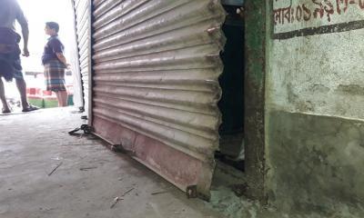 ধামইরহাটে মুদির দোকানে দুধর্ষ চুরি সংঘটিত