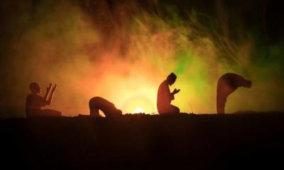 পৃথিবীর শ্রেষ্ঠ মানব ও ধর্ম
