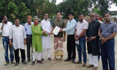 নন্দীগ্রামে বেসরকারি শিক্ষা প্রতিষ্ঠান জাতীয়করণ দাবিতে এমপিকে স্মারকলিপি প্রদান