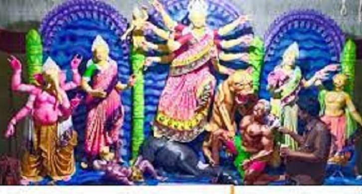 মহাসপ্তমীতে বিভিন্ন মন্দির পরিদর্শন করেছেন অতিরিক্ত পুলিশ সুপার