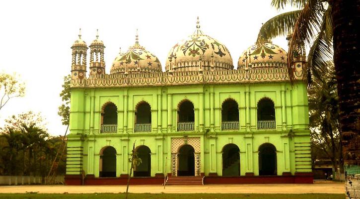 সুনামগঞ্জে কালের সাক্ষী শত বছরের পুরনো ঐতিহ্যবাহী পাগলা মসজিদ